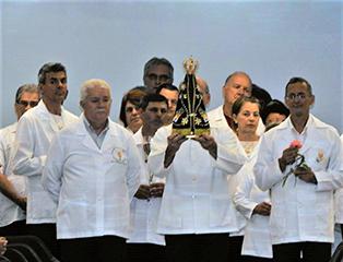 Ministros da Sagrada Comunhão participam de retiro anual no Santuário Nacional