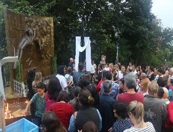 Paróquias de Aparecida fazem Via Sacra no Morro do Cruzeiro