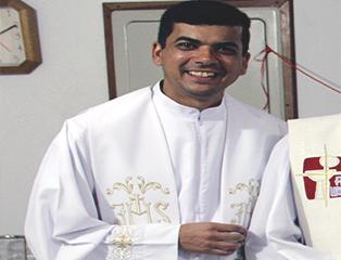 Padre André Pizani assume Paróquia São Pedro em Guaratinguetá